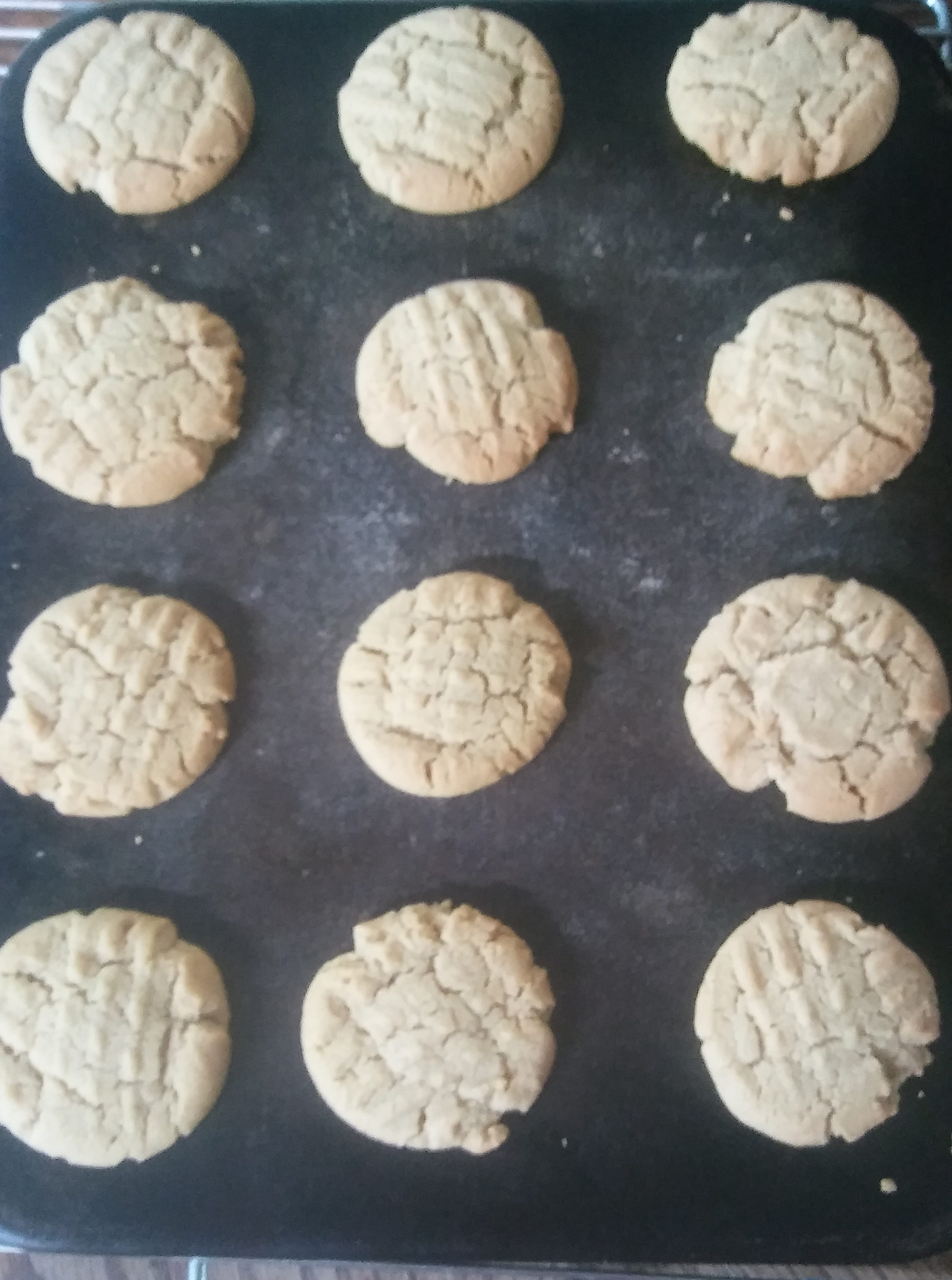 Easy Homemade Peanut Butter Cookies - The Easiest!