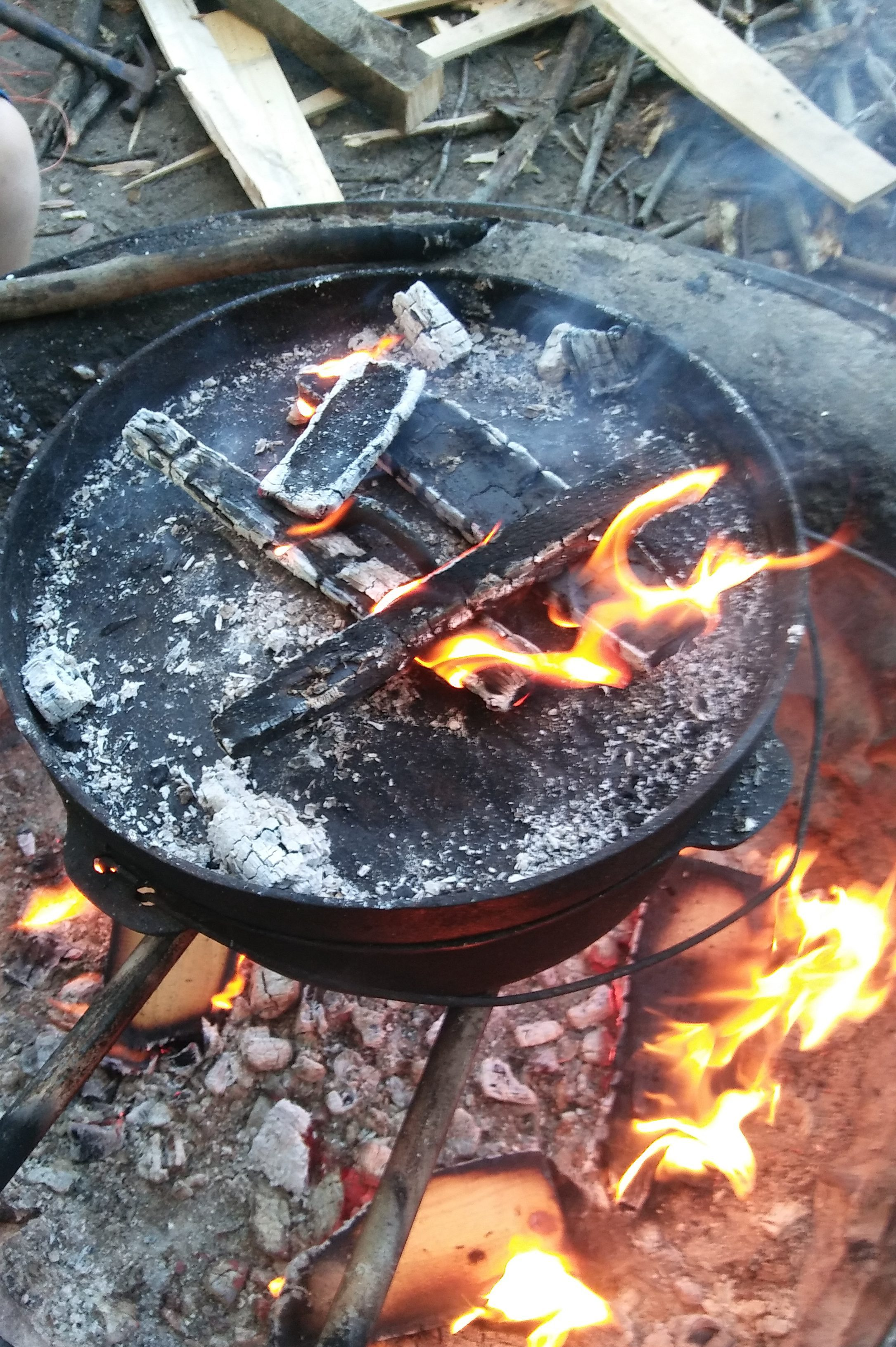 Cooking Over An Open Fire Pit – Chicken and Vegetable Dinner